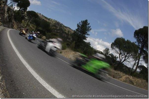PoluxCriville-Via-Motociclismo-es-Juan-Sanz-coduccion-segura-moto-grupo