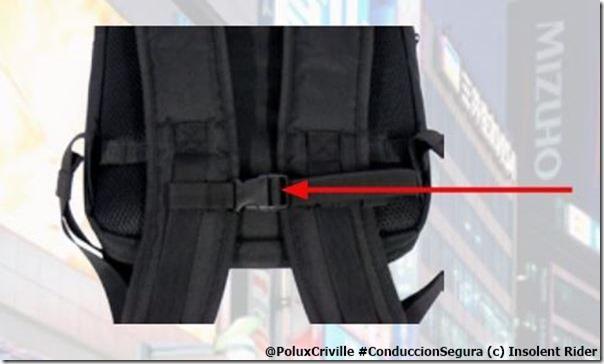 PoluxCriville-Insolent-Rider-mochilla-cierre-frontal-cinchas-recogidas-efecto-latigo
