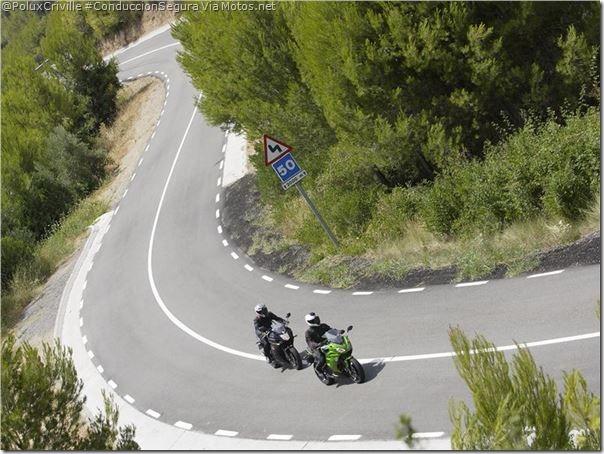 PoluxCriville-Via-Motos_Net-Diego-Sperani-moto-ruta-grupo-curvas-separacion