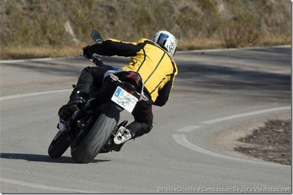 PoluxCriville-Via-Motos_net-Felix Romero-moto-nueva-experiencias-rodaje-conduccion-segura