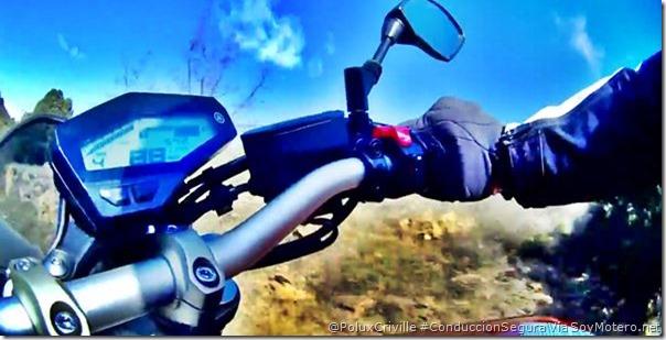 PoluxCriville-Via-Soymotero.net-manillar-separacion-ajuste-manetas-ergonomia-moto-conduccion-segura