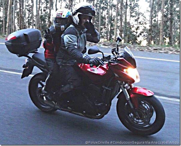 PoluxCriville-Via_Ana Isabel Anido-pasajero-menor-protecciones-moto