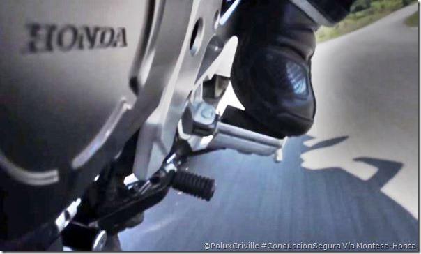 PoluxCriville-Montesa-Honda-cb500_rozar-estriberas-moto-conduccion-segura