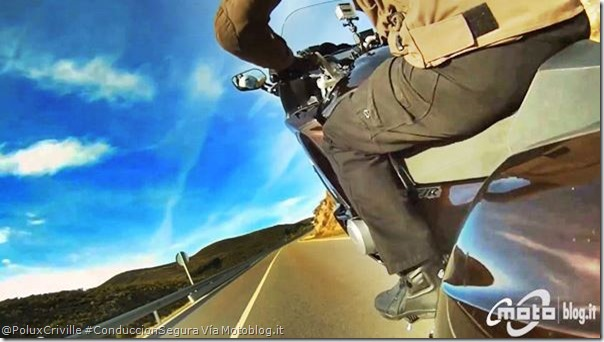 PoluxCriville-Motoblog_it-moto-curvas-caballito-Yamaha-FJR-1300