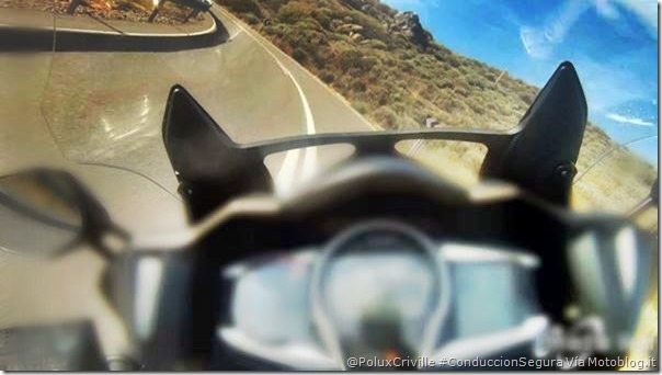 PoluxCriville-Motoblog_it_limpieza-cupula-pantalla-moto-conduccion-segura-Yamaha-FJR-1300