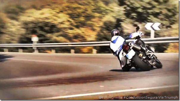 PoluxCriville-Vía-Triumph-carretera-curvas-peligros