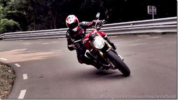 PoluxCriville-Via-Ducati-curvas-visibilidad-margen-seguridad-conduccion-segura-moto-Monster_1200_S_2