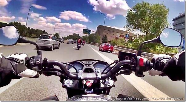 PoluxCriville-Via-Masquecurvas-carril-incorporacion-visibilidad-conduccion-segura-moto