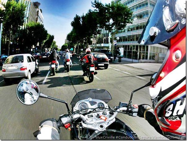 PoluxCriville-Via-Motociclismo.es-conduccion-en-ciudad-moto-peligros