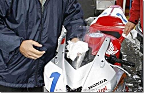 PoluxCriville-Via-Motociclismo.es-limpieza-pantalla-trapos-especiales