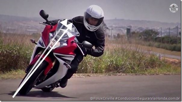 PoluxCriville-Via-Honda.com.br-postura-cuerpo-conducion-segura-moto (1)