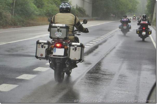 PoluxCriville-Via_Pilar De-Bernardi_conduccion-moto-poca-visibilidad