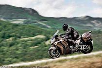 poluxcriville-via-kawasaki_es-proteccion-aerodinamica-viento-moto