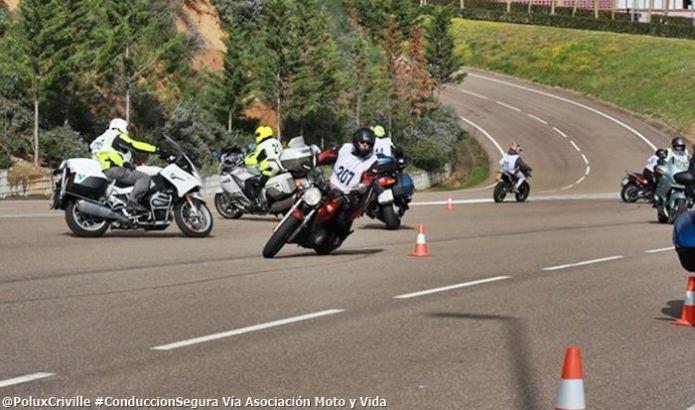 PoluxCriville-Via-Asociacion.Moto.y.Vida-curso-conduccion-segura.Merida.618