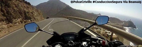 PoluxCriville_Via_@beamaig_conduccion-preventiva-carretera-abierta-moto