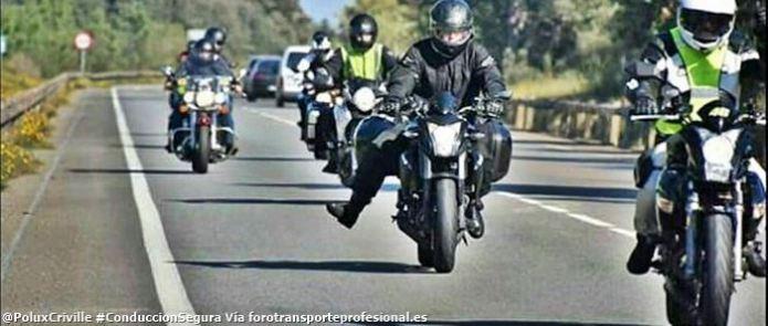 PoluxCriville-Via-forotransporteprofesional.es-grupo-gestos-moteros-conduccion-segura-moto