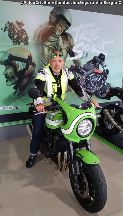 PoluxCriville-Via_Sergio Castellano-Kawasaki-Z1000SX-Z900RS-conduccion-segura-moto (3)