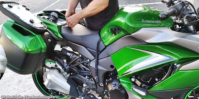 PoluxCriville-Entrega-Kawasaki-z1000sx-tourer-conduccion-segura-moto (3)