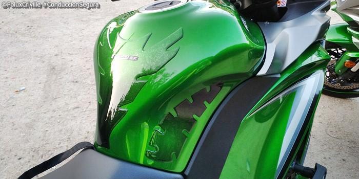 PoluxCriville-Entrega-Kawasaki-z1000sx-tourer-conduccion-segura-moto (7)