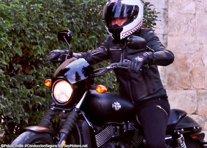 PoluxCriville-Via-SoyMotero.net-Mar-Acebes-conduccion-segura-precaucion-moto-nueva