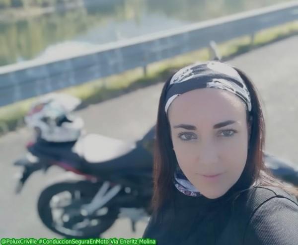 Eneritz Molina es una motera con ganas de aprender a ir en moto de manera segura...