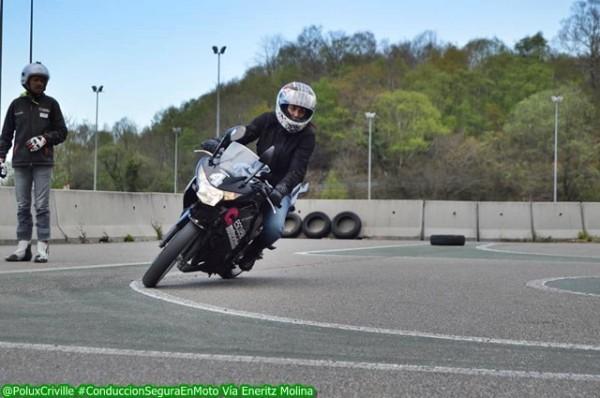 Tener confianza es básico al manillar de una moto...