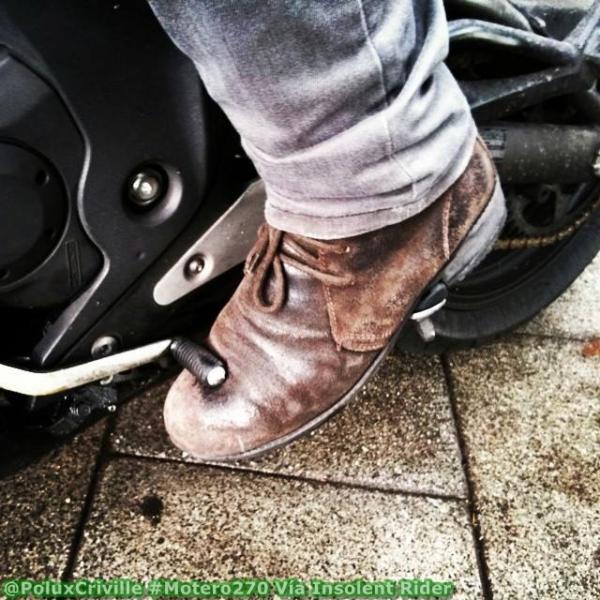 Calzado de calle en moto